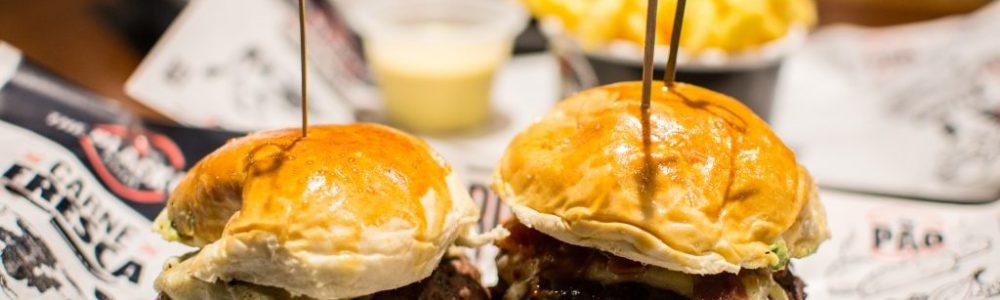 Novidade em BH: hamburgueria fast casual com sanduíches entre R$ 15 e R$ 24